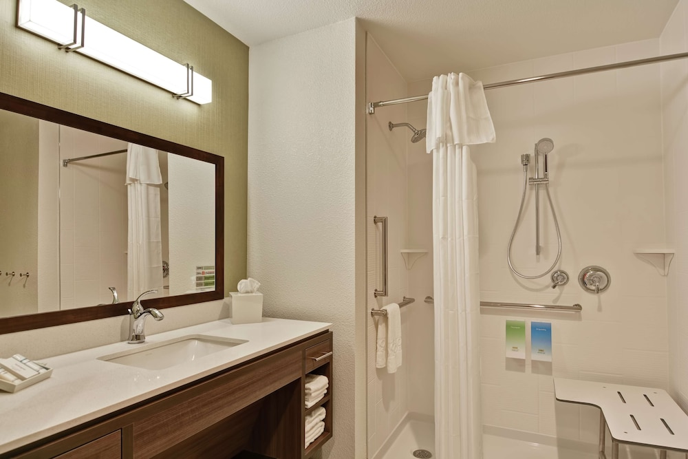 Bathroom, Home2 Suites by Hilton Rochester Mayo Clinic Area