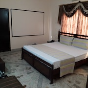 White Rose Guest House karachi