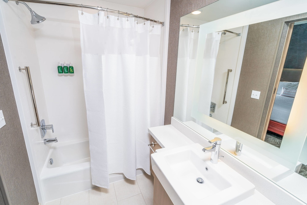 Bathroom, SpringHill Suites by Marriott Ontario Airport/Rancho Cucamonga