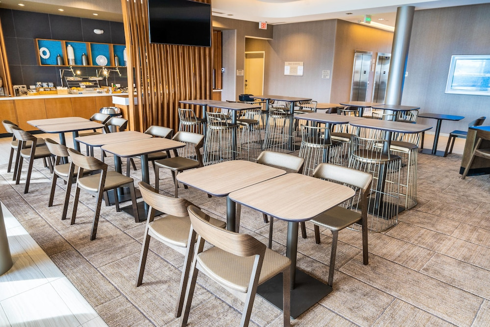 Dining, SpringHill Suites by Marriott Ontario Airport/Rancho Cucamonga