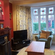 Belfastbreaks - Modern 4 Bedroom Townhouse in South Belfast