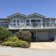 Big and Bright, Steps to Sand, Ocean Views, and Sleeps 8+
