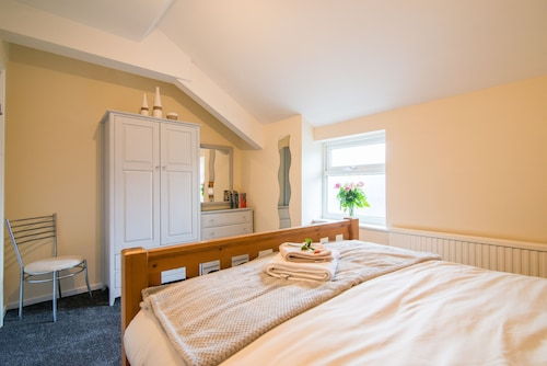 Holiday Hideaway - Central Buxton
