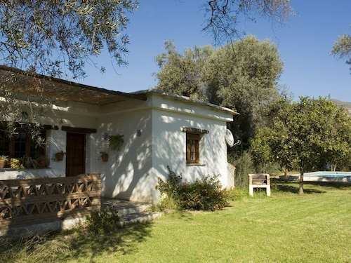 Beautiful House for 4 People With Pool and Large Garden Olive Trees