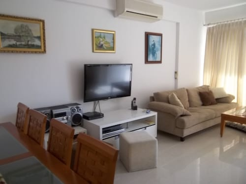 Large Ground Floor 2 Bedrooms Apartment American Academy Larnaca CY