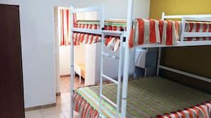 Una cassaforte in camera, ferro/asse da stiro, Wi-Fi gratuito