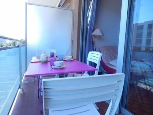 Apartment Port-la-nouvelle, 3 Bedrooms, 6 Persons