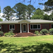 Susie's Guest House-- 3 Bedroom, 1 1/2 Bath in the Heart of Taylorsville, GA