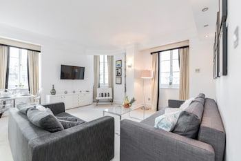 Outstanding Trafalgar Penthouse sleeps 8