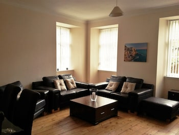 Large 3 Bed West End Apartment