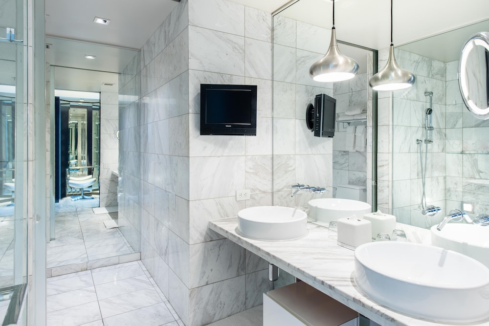 Bathroom, Great Value! Palms Place ONE Bedroom Suite, High Floor- Great View- Refreshed