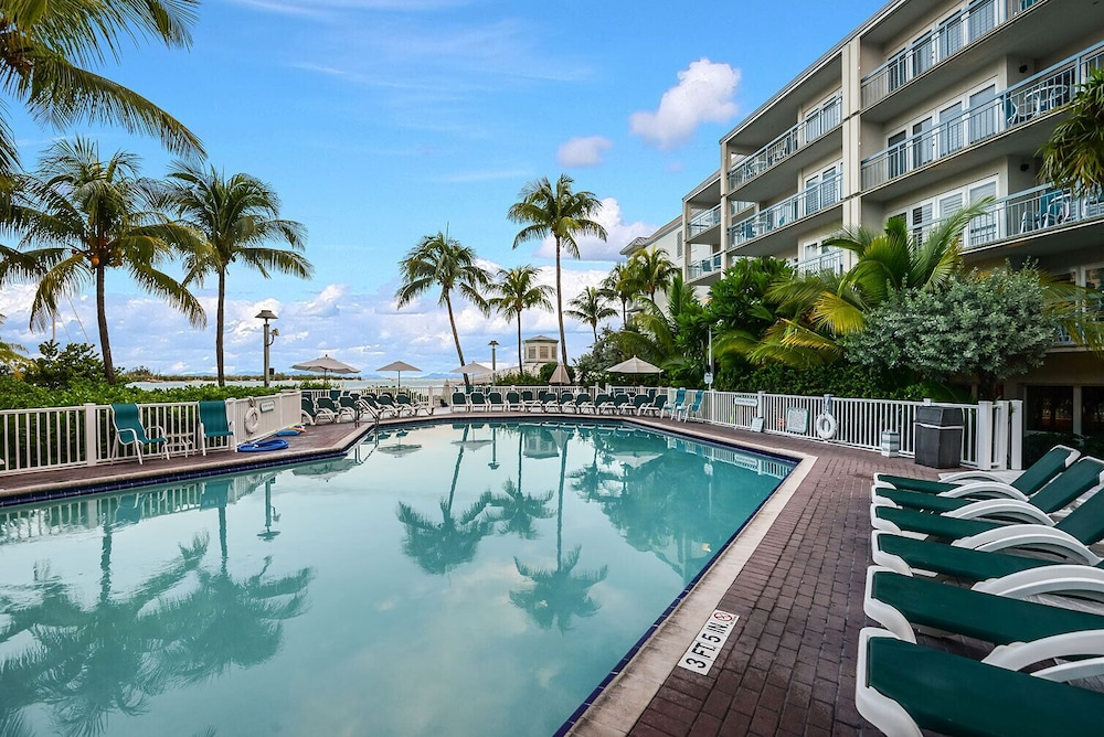 Pool, Luxury Waterfront at the Galleon Resort in Old Town
