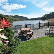 Idyllic Riverside Welsh House - Next to Snowdonia & Close to North Wales Beaches