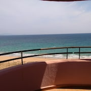First Line Beach, sea Views, Pool, Wifi, 20mts. of the Beach