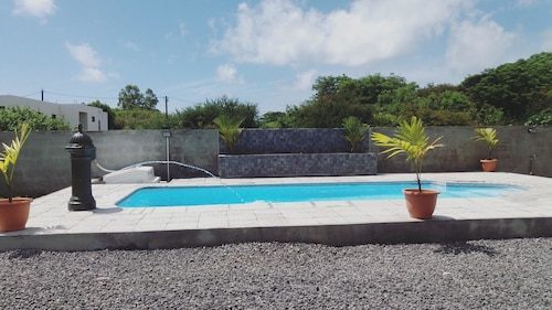 Villa With 4 Bedrooms in Pereybere, With Private Pool, Enclosed Garden and Wifi - 5 km From the Beach