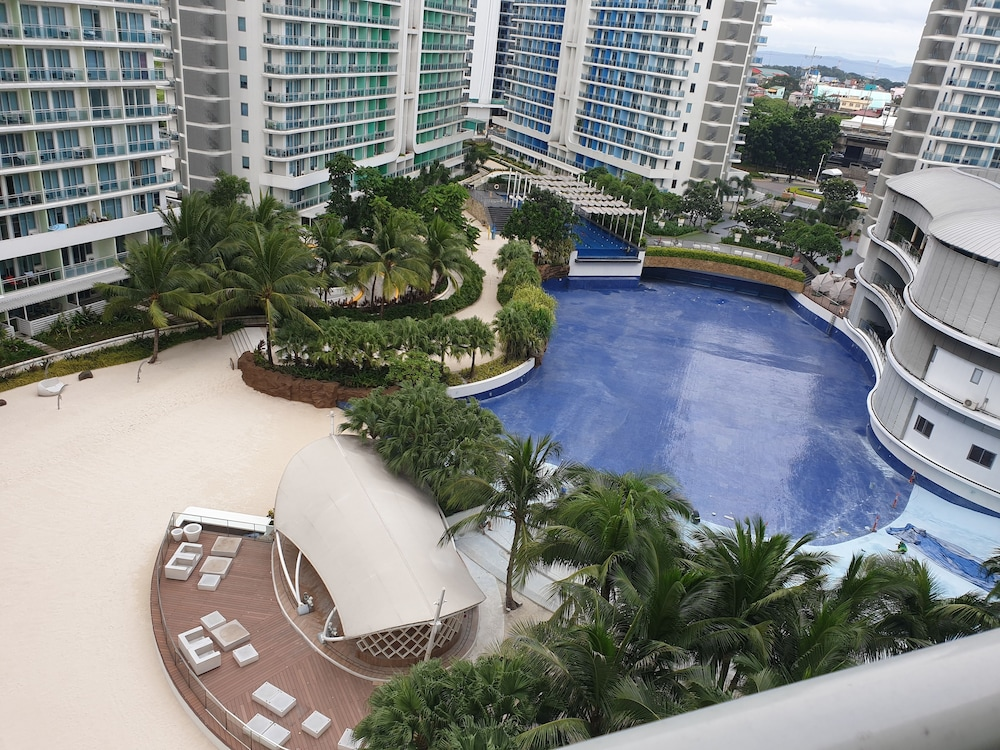 Outdoor Pool, Family Condo by IA @ Azure Urban Resort Residences