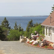 Ocean View Chalet - Above and Beyond White Point