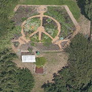 The Peace Garden House on a 1/2 Acre in Multnomah Village, 4 Miles From Downtown