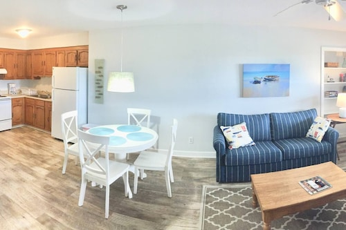 Beach Haven, NEW & Renovated, 2018! , Less Than 1 Block to Beach! Full Kitchen