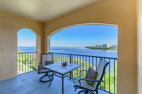 Great Place to stay Summer / Fall Special !!!!!!!!! Clearwater / Million Dollar Views of the Bay near Clearwater