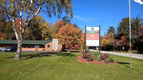 Tahquamenon Suites Lodging