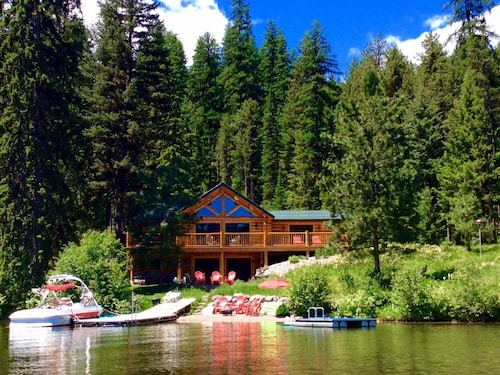 Beautiful Lakefront Cabin on Lake Inez!