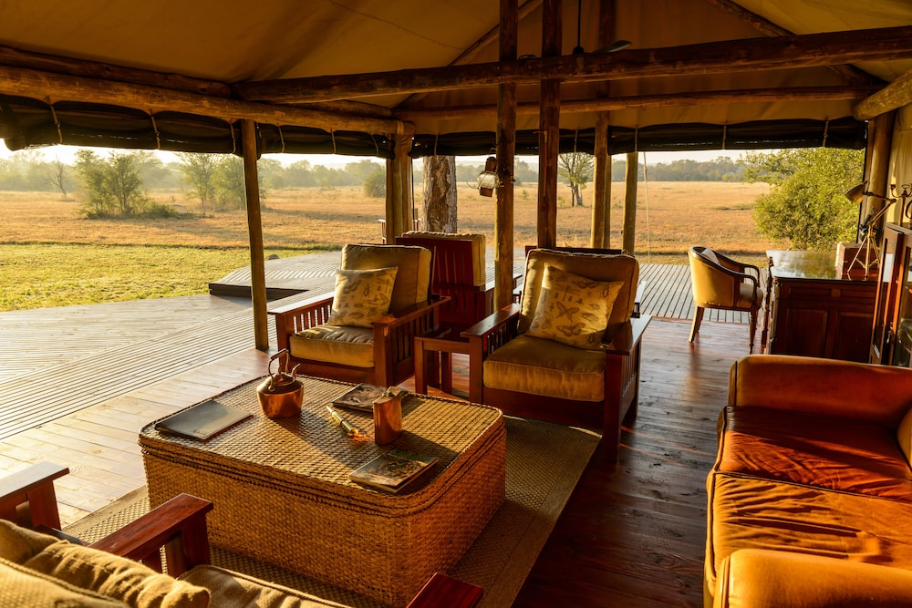Breakfast Area, Rhino Walking Safaris
