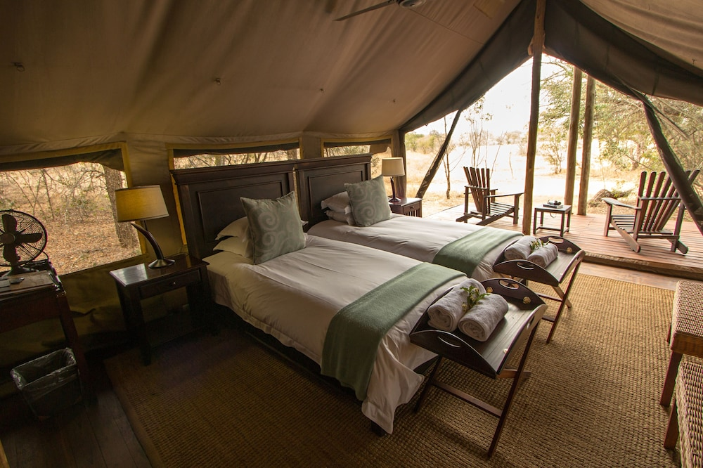 Room, Rhino Walking Safaris