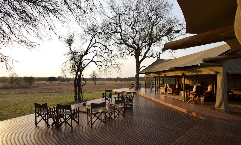 Lounge, Rhino Walking Safaris
