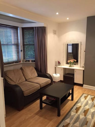 Forest Hill 1 Bedroom Flat