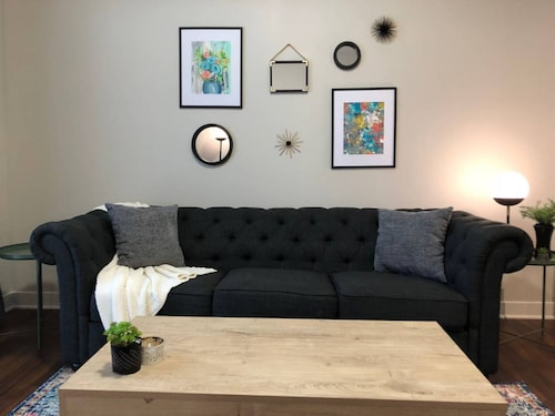 Check Expedia for Availability of Retro 1BR In Fountain Square