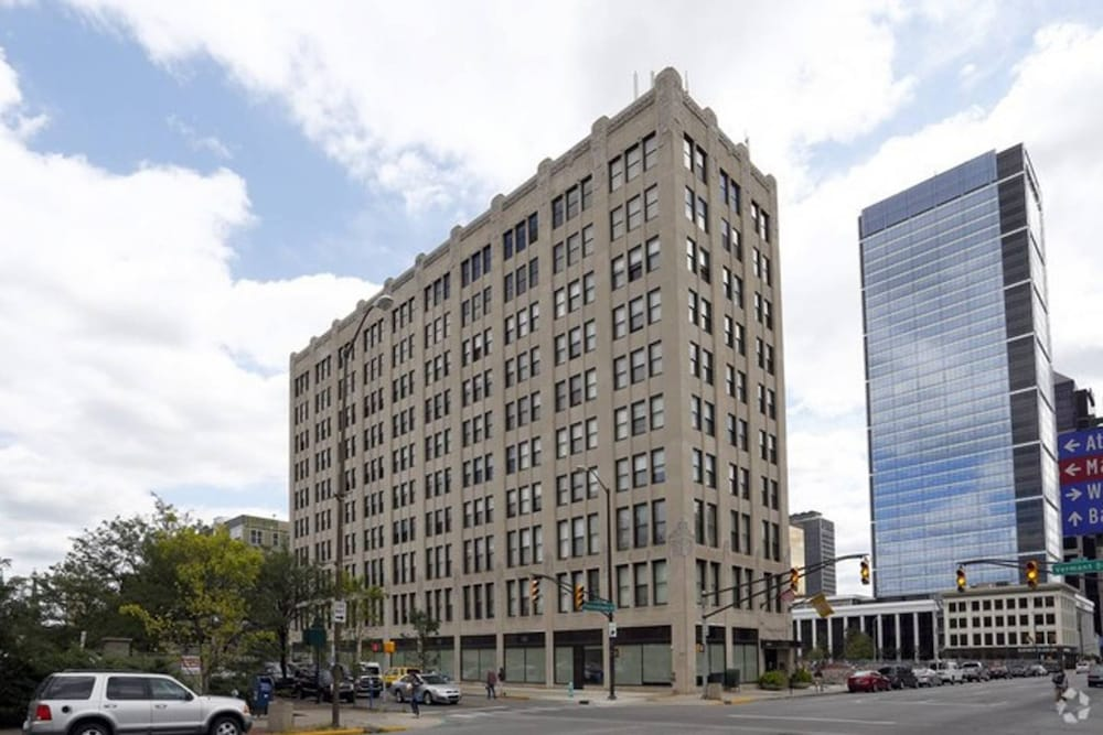 Bold Downtown 1BR Near Memorial Park