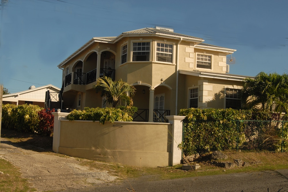 Featured Image, Oceanview Property- 5 Minutes to the Beach