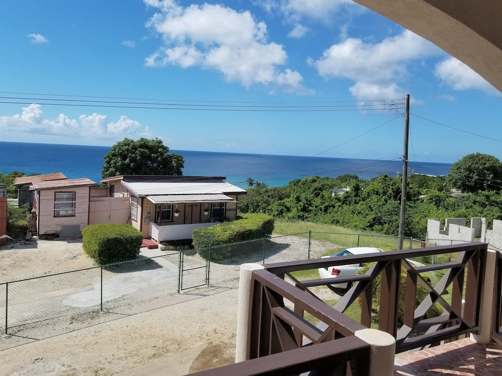 , Oceanview Property- 5 Minutes to the Beach
