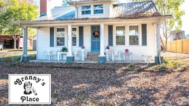 Granny's Place - Historic Country Cottage- PET Friendly!