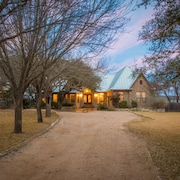 Gruene Vista On The Guadalupe 4 Bedroom Home
