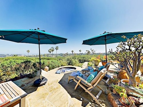 Amazing 1brocean Views & Hot Tub 1 Bedroom Cottage