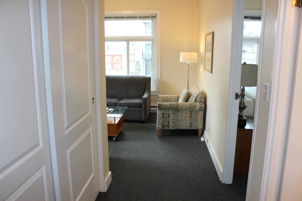 Featured Image, Washington Plaza Apartments