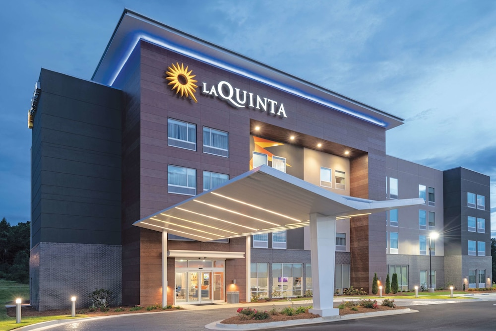 La Quinta Inn & Suites by Wyndham Opelika Auburn: 2019 Room