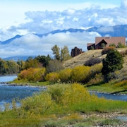 Spectacular Blue Ribbon fly Fishing and Family Retreat Min. From Yellowstone