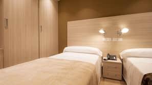 18 bedrooms, Egyptian cotton sheets, premium bedding