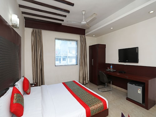 OYO 788 Hotel J S Continental