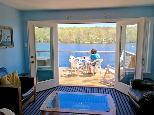 Cottage On The Lake With Beautiful Views From Two Decks Near Mystic Foxwoods