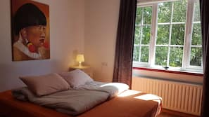 Blackout curtains, bed sheets, wheelchair access