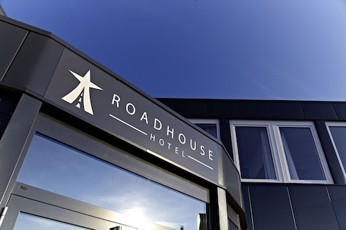 Road House Hotel