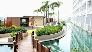 室内游泳池,4 室外游泳池,06:00 至 22:00 开放,免费小屋