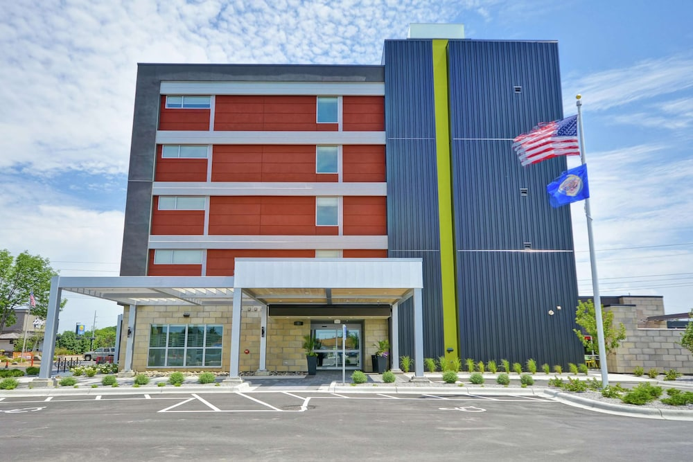 Exterior, Home2 Suites by Hilton Plymouth, MN