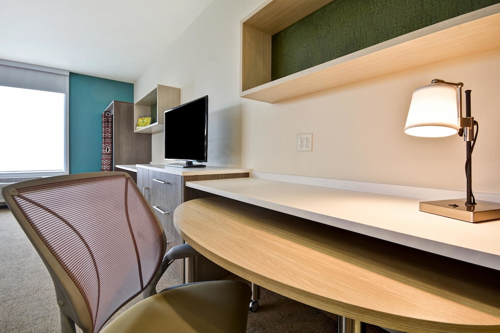 Room, Home2 Suites by Hilton Plymouth, MN