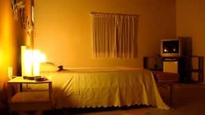 Frigobar, ferros/tábuas de passar roupa, roupa de cama