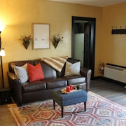 The Rustic Suite by Berlin Main Street Lodging